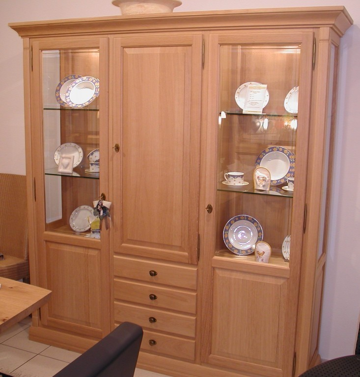 vitrine oder kleiner wohnschrank montreux 3 t rig eiche. Black Bedroom Furniture Sets. Home Design Ideas