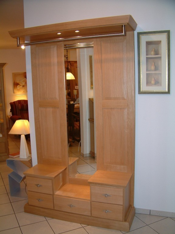 moderne garderobe innenr ume und m bel ideen. Black Bedroom Furniture Sets. Home Design Ideas