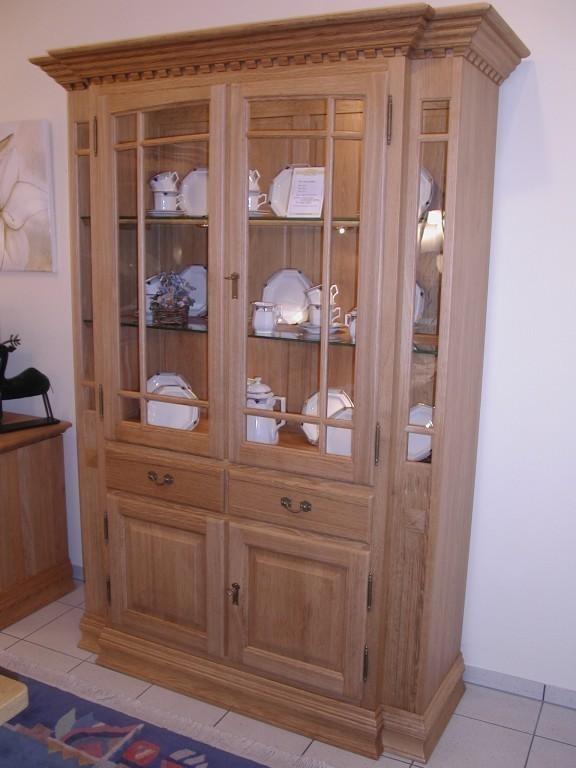 vitrine h nfeld moderne m bel und landhausm bel vitrinen anrichten. Black Bedroom Furniture Sets. Home Design Ideas