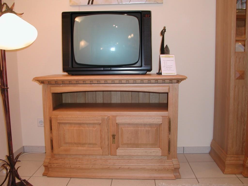 tv anrichte h nfeld eiche vollmassiv farbton eiche gelaugt ge lt gebeizt lackiert etc. Black Bedroom Furniture Sets. Home Design Ideas