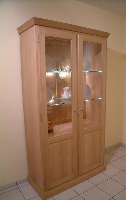 vitrine malta 2 t rig landhausvitrine in eiche buche oder kirschaum massiv moderne m bel und. Black Bedroom Furniture Sets. Home Design Ideas