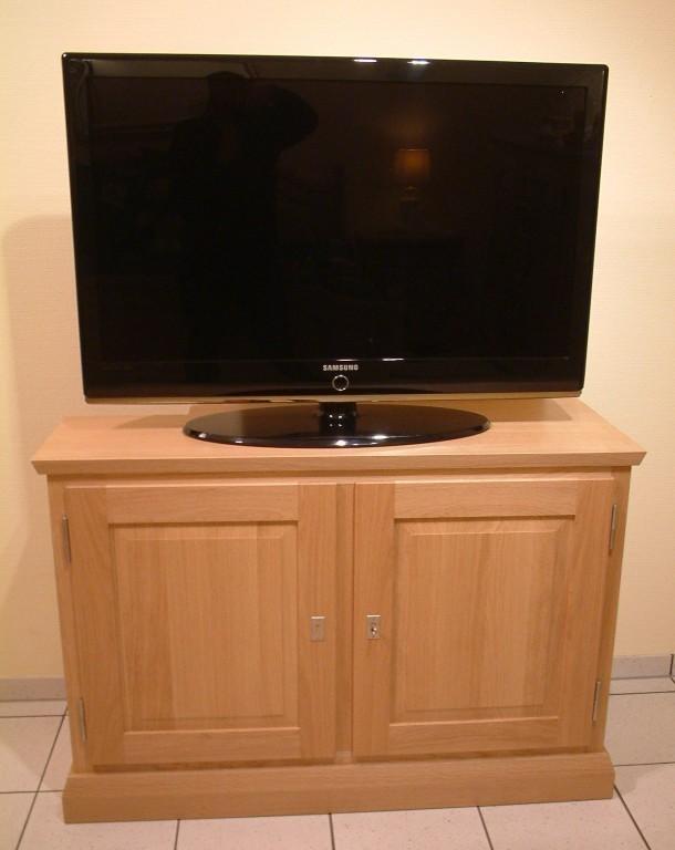 tv anrichte malta 2 t rig schrank f r flachbild tv eiche massiv modern moderne m bel und. Black Bedroom Furniture Sets. Home Design Ideas