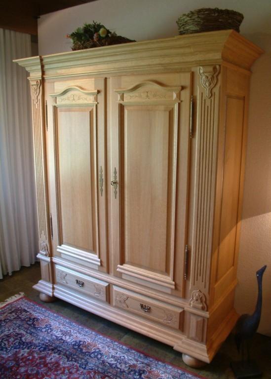 dielenschrank porzellanschrank legden 2 t rig eiche massiv klassische m bel und massive. Black Bedroom Furniture Sets. Home Design Ideas