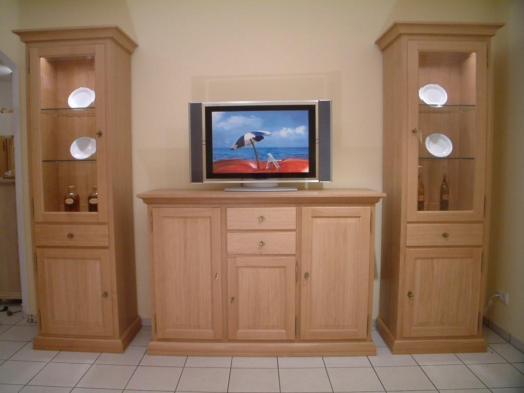 s ule vitrine montreux mit tv hochanrichte montreux f r flachbild tv und hifi ger te eiche. Black Bedroom Furniture Sets. Home Design Ideas