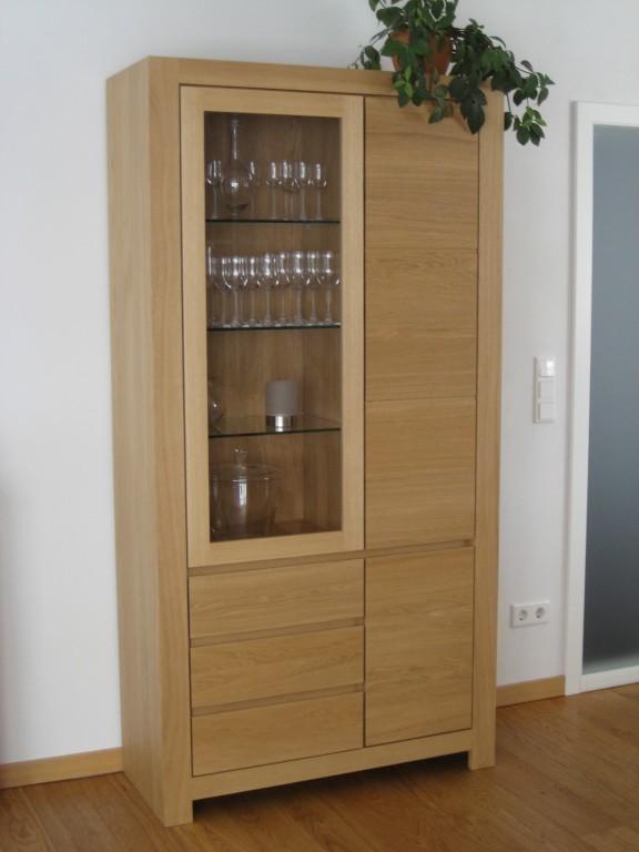 eiche massiv hell vitrine schermbeck 2 t rig eiche. Black Bedroom Furniture Sets. Home Design Ideas