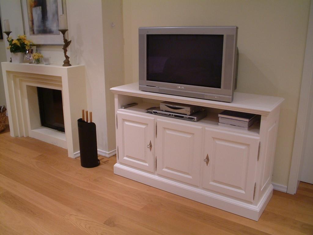 tv anrichte fernseh anrichte lowboard in eiche. Black Bedroom Furniture Sets. Home Design Ideas