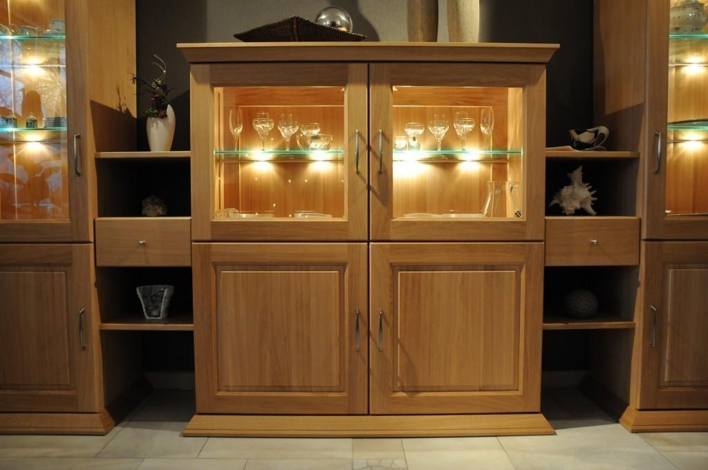 s ulen vitrinen kombination im landhausstil eiche. Black Bedroom Furniture Sets. Home Design Ideas