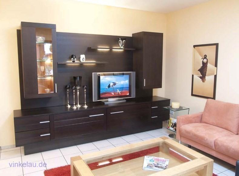 moderne wohnwand ostland eiche massiv mit h ngevitrinen. Black Bedroom Furniture Sets. Home Design Ideas