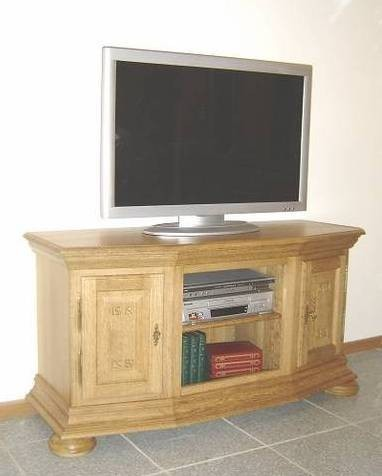 tv anrichte erfurt eiche vollmassiv sch nes unterteil f r einen flachbildfernseher und die. Black Bedroom Furniture Sets. Home Design Ideas