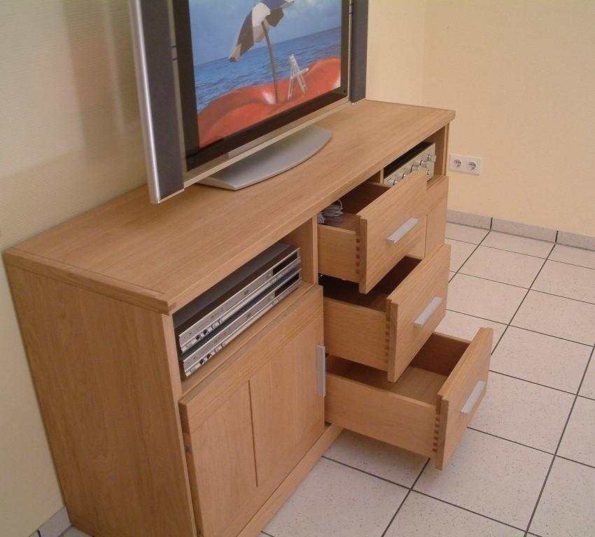 tv anrichte kantatus 143 f r flachbild tv und hifi ger te eiche massiv moderner stil moderne. Black Bedroom Furniture Sets. Home Design Ideas