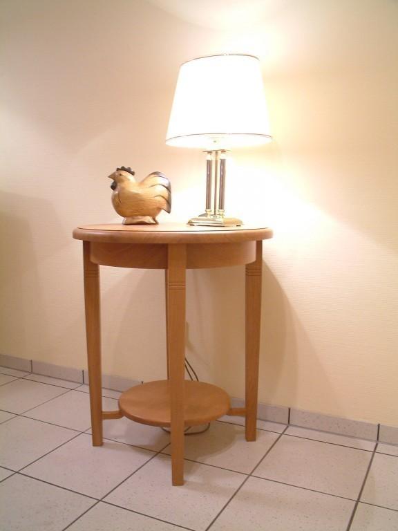 runder beistelltisch landhaus durchmesser 60 cm h he 70 cm eiche. Black Bedroom Furniture Sets. Home Design Ideas