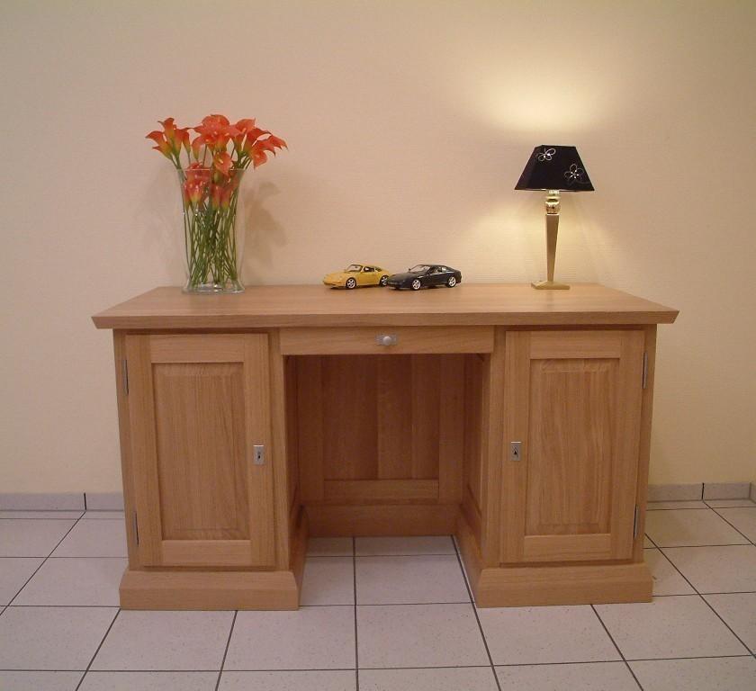 schreibtisch mit buchnische bzw regal in der r ckseite. Black Bedroom Furniture Sets. Home Design Ideas