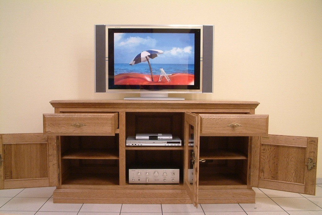 tv anrichte norden 3 t rig mittig mit glast r f r ger te in eiche vollmassiv moderne m bel und. Black Bedroom Furniture Sets. Home Design Ideas