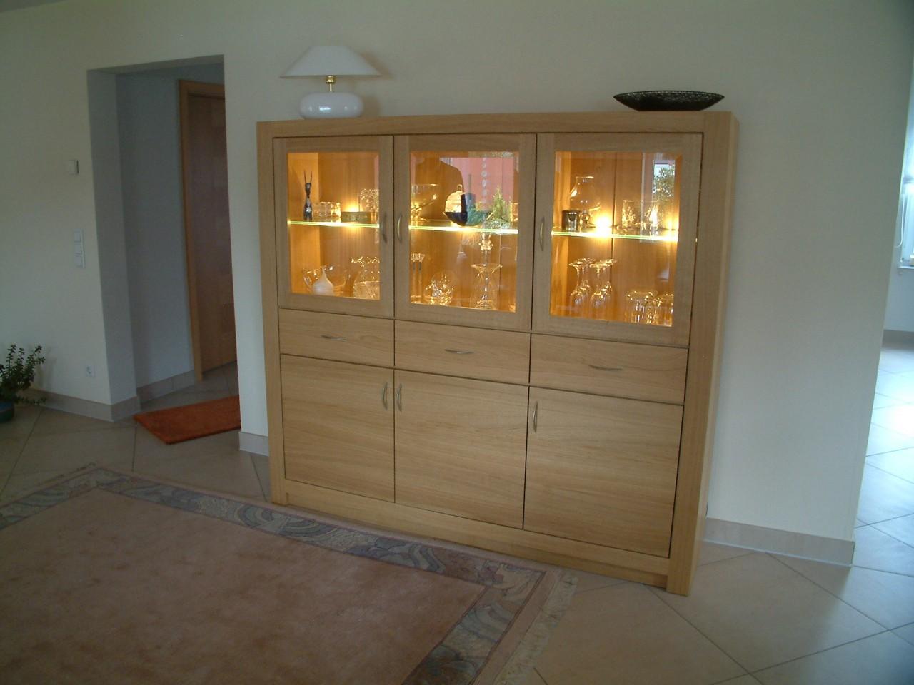 highboard kleiner schrank wohnzimmerschrank eiche modern hell massiv ge lt oder lackiert. Black Bedroom Furniture Sets. Home Design Ideas